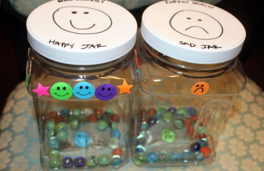 AP-POINTED CONTAINERS one classroom choose to use to remember to be kind